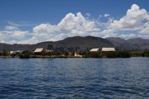 Uros Inselm auf dem Titicaca-See